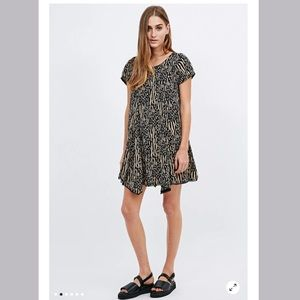 UO Silence +Noise The witchy TShirt Dress size XS